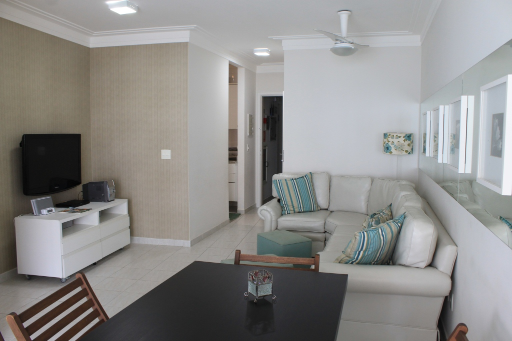 Apartamento - Conforto - Club integrado - 100 metros da praia