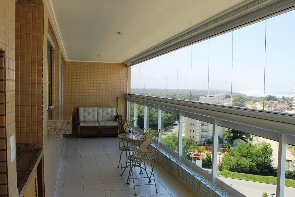 Vista Mar - 03 dormitórios - Novo - Bem decorado